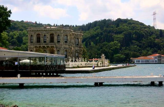Kucuksu Palace from Istanbul Day Tours