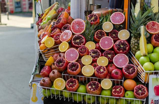 Citruses and pomegranate stand in Istanbul