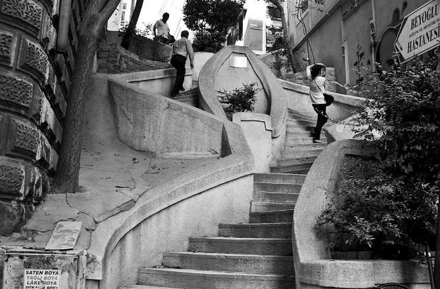 Camondo Stairs.  Photo by Jagrina